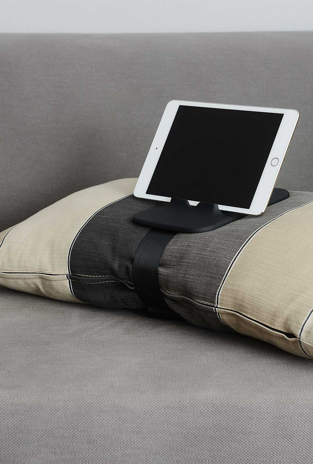Pillow Stand